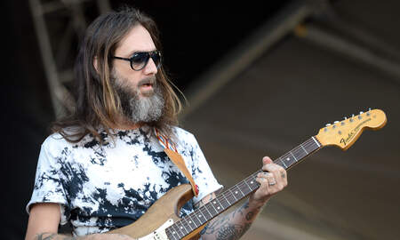Rock News - The Black Crowes' Chris Robinson Admits Attacks On Brother Were Unfair