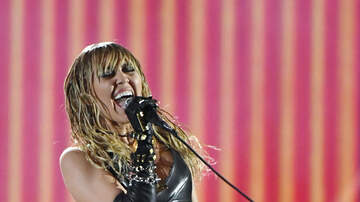 Jed Whitaker - Miley Cyrus Remains On Vocal Rest After Surgery