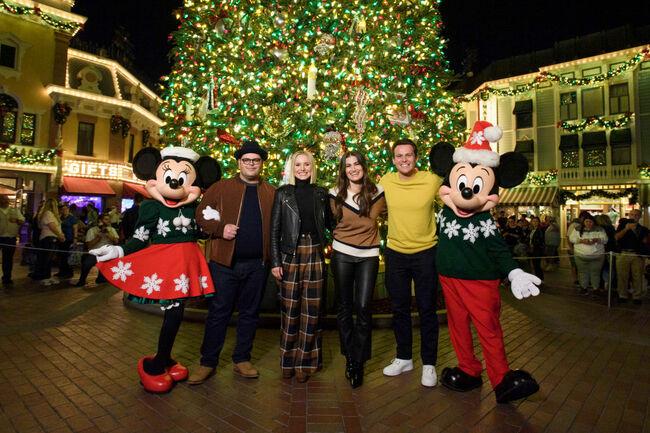 "Disney's ""Frozen 2"" Stars Kristen Bell, Idina Menzel, Josh Gad And Jonathan Groff Kick Off The Holiday Season At Disneyland Resort"