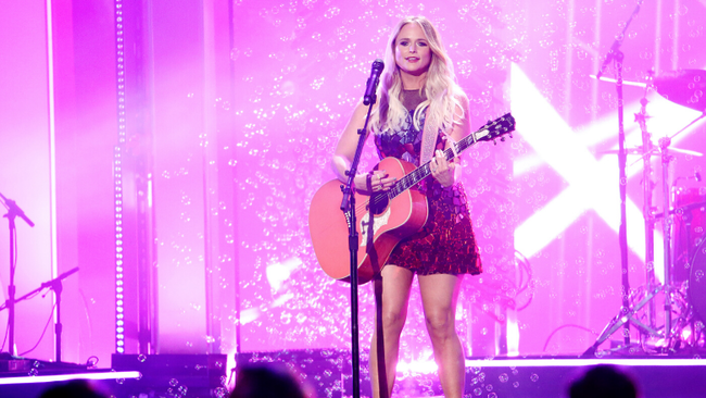 Miranda Lambert Brings 'It All Comes Out In The Wash' To 2019 CMA Awards