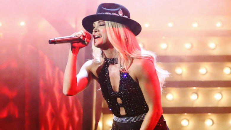 Carrie Underwood Receives A Punny Gift   Major Tom   102.5 The Bull