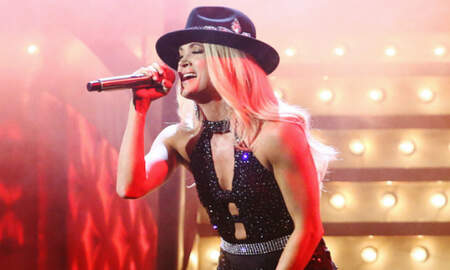 Music News - Carrie Underwood Performs Sexy Rendition Of 'Drinking Alone' At 2019 CMAs