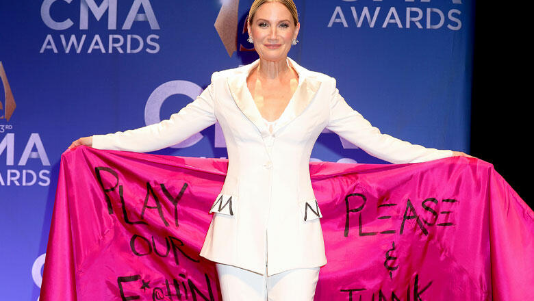 """Jennifer Nettles Calls For """"Equal Play"""" With Fashion Statement"""