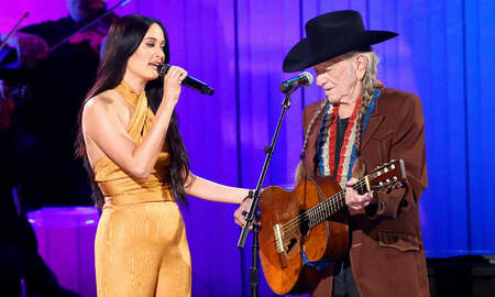 Music News - Willie Nelson & Kacey Musgraves Reunite To Perform 'Rainbow Connection'