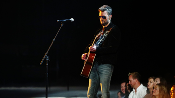 Music News - Eric Church Strips Down 'Some Of It' At The 2019 CMA Awards