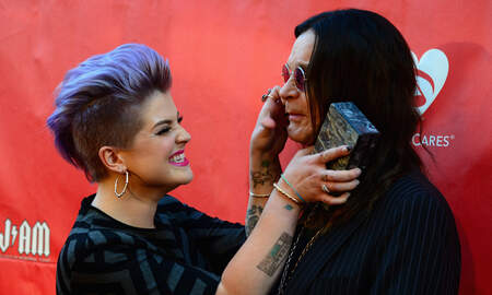 Rock News - Kelly Osbourne Says Family Is Constantly Offered To Reboot 'The Osbournes'