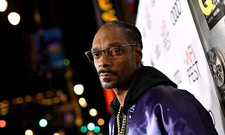 Entertainment News - Snoop Dogg Says He's the Sexiest Man Alive, Not John Legend