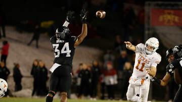Sports Desk - Texas falls to Iowa State