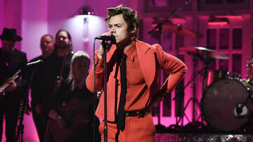 iHeartRadio Music News - Harry Styles Debuts Sweet & Sexy New Song 'Watermelon Sugar' On 'SNL'
