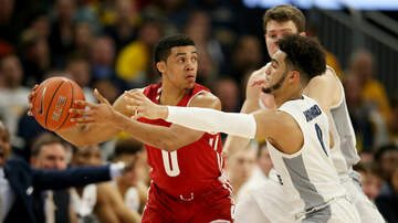 Wisconsin Badgers - Highlights & Full Broadcast: Wisconsin 77, Marquette 61