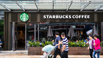 MiKeith - World's largest Starbucks now open in Chicago