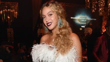 Entertainment - Beyonce Stuns In Two Glamorous Looks For Jay-Z's Charity Gala