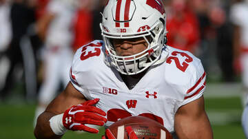 Wisconsin Badgers - Jonathan Taylor, Aron Cruickshank earn weekly Big Ten honors