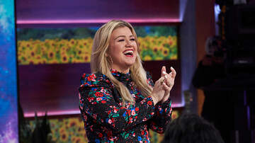 Lisa Foxx - See Kelly Clarkson's Reaction To The Fate Of Her Daytime Talk Show!