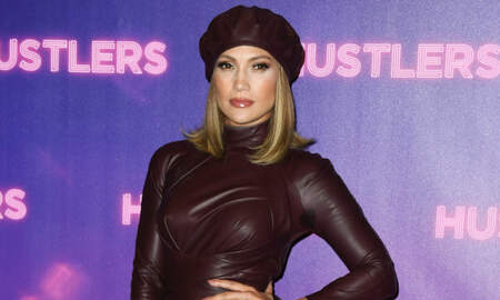 Trending - A Pilot Asks Entire Flight To Watch 'Hustlers,' Per This Jennifer Lopez Fan