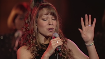 Holidays - Mariah Carey Shares Her First 'All I Want For Christmas Is You' Performance