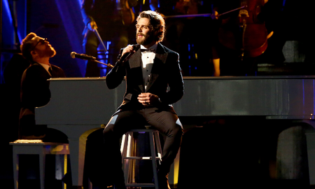 Music News - Thomas Rhett Drops New Original Song, 'Christmas In The Country'