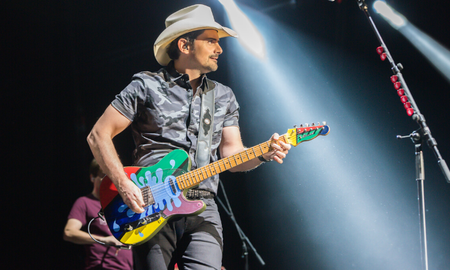 Music News - Brad Paisley's Sister-In-Law Reveals He Refrigerates His Guitars
