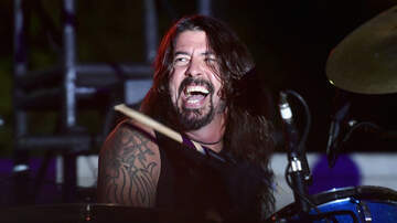 Ken Dashow - Dave Grohl Insists The Foo Fighters Are Dad Rock