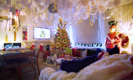 Bobby Bones - What 26 Yr Olds Care About: Hotel Offers Up 'Elf' Inspired Suite