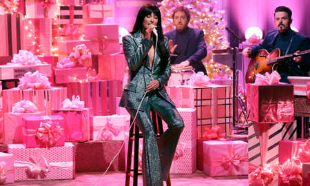 Music News - Watch Kacey Musgraves Debut Her New Christmas Song 'Glittery'