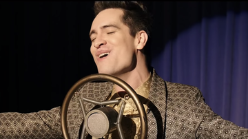 Entertainment News - Idina Menzel Says Brendon Urie Makes Singing 'Into The Unknown' Sound Easy