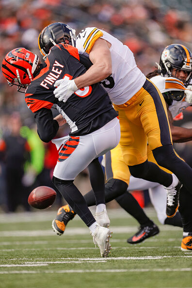 Bengals Fall To All Time Franchise Worst 0 11 With Loss To