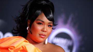 Trending - Lizzo Delivers Emotional Performance At 2019 American Music Awards