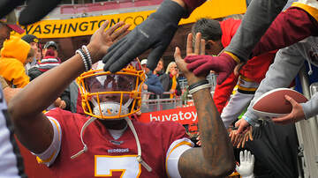 Sports Top Stories - Redskins QB Dwayne Haskins Misses Last Snap To Take Selfie With Fan