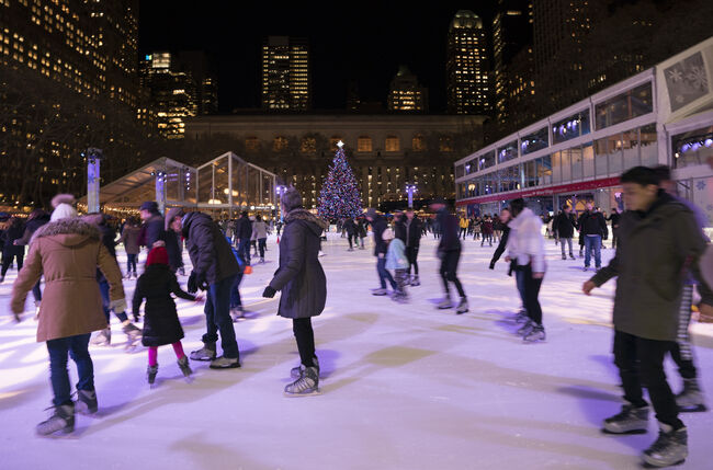 US-LIFESTYLE-ICE SKATING