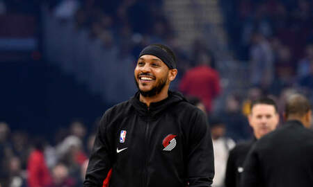 None - Thunder Face Old Pal Carmelo Anthony Tonight