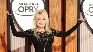 Women of iHeartCountry - Dolly Parton Sings 'Jolene,' '9 To 5' At Opry 50th Anniversary Special