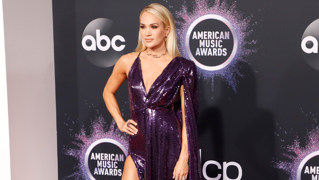 Carrie Underwood Gives Up Healthy Eating When It Comes To Thanksgiving