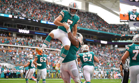 Sports Top Stories - Miami Dolphins Pull Off Insane Trick Play On Fourth And Goal
