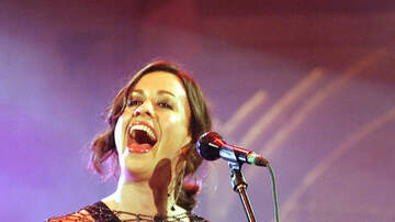 Mix Mornings with Laura Diaz - OMG! Alanis Morissette Is Coming To Tampa!