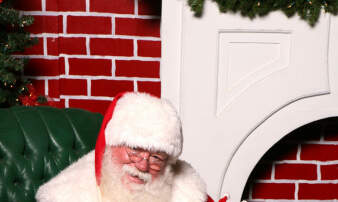 Jennie James - Where To Take Your Pets For Pictures With Santa!