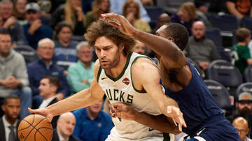 The Crossover with Ted Davis & Dan Needles - Robin Lopez Continues To Show His Value For This Bucks Team