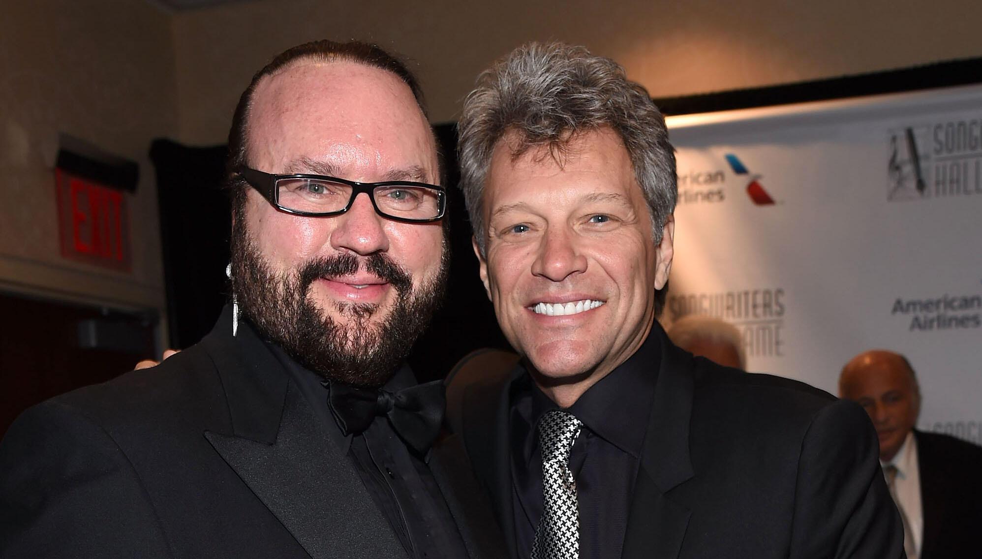 "Desmond Child Explains Why Jon Bon Jovi Didn't Like ""Livin' On A Prayer"""