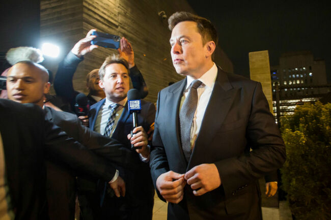 Musk Tells L.A. Jury He Doesn't Have as Much Cash as Believed