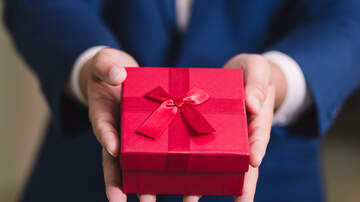 Toby + Chilli Mornings - Etiquette Rules Say You Do Not Have to Buy Your Boss a Gift