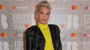 Entertainment News - Pink Debuts Her Newly-Buzzed Head: 'Letting Go'
