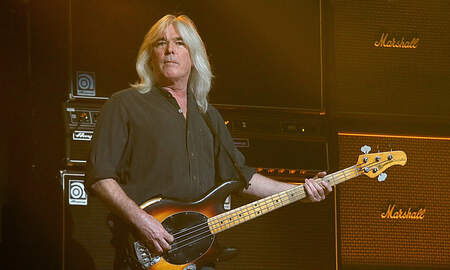 Rock News - AC/DC Bassist Cliff Williams Gets Back On Stage At Florida Party