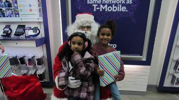 Photos - Metro By T-Mobile Santa Claus Appearance | Pittsburg | 12.7.19