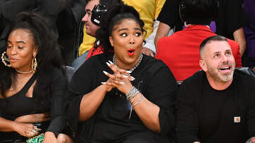 Big Boy's Neighborhood - Lizzo Twerks In a Thong During Lakers Game At Staples Center
