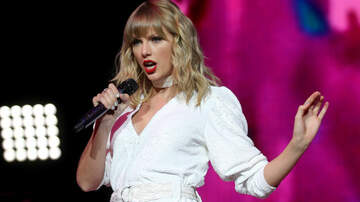 Holidays - Watch Taylor Swift Perform 'Christmas Tree Farm' Live For The First Time