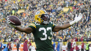 The Crossover with Ted Davis & Dan Needles - Should Aaron Jones Get A Heavier Workload Down The Stretch?