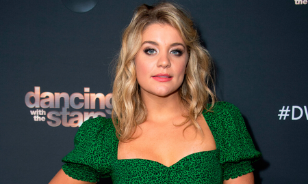 Music News - Lauren Alaina Shares Her Favorite Christmas Songs, Gifts, And Memories