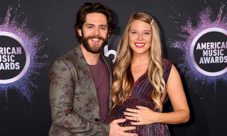 Music News - Thomas Rhett's Wife Lauren Thanks Him For Being 'Santa's Elf' In Sweet Post