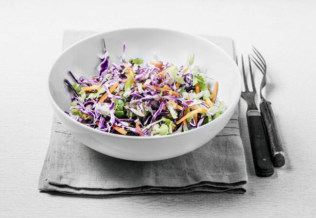Fresh salad (red cabbage, lettuce, and carrots)