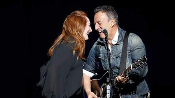 Rock News - Bruce Springsteen, Patti Scialfa Crash Quincy Mumford Soundcheck To Dance